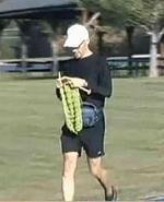 Световен рекорд за шал, съчетавайки бягане и плетене