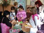 С помощта на майстор Цвети Терзиева деца изработиха чудни кукли