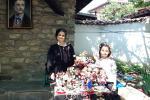 Майстор Цвети Терзиева представи креативните си изделия на Празника на розата в Карлово